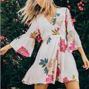 Billabong Divine Bell Sleeve Floral Boho Dress